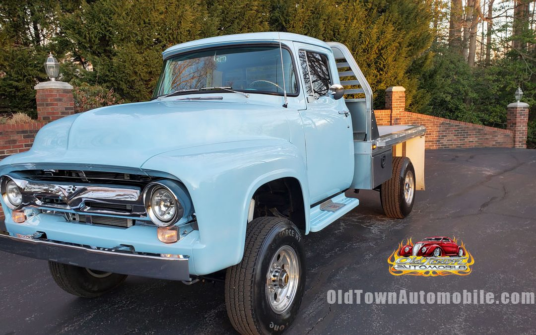 1956 Ford F100 Pickup in light blue for sale