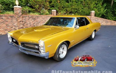 SOLD – 1967 Pontiac Tempest Custom in Candy Gold